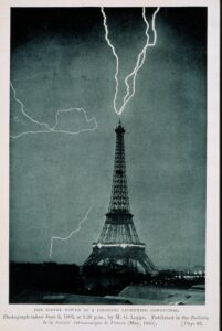 lightening eiffle tower